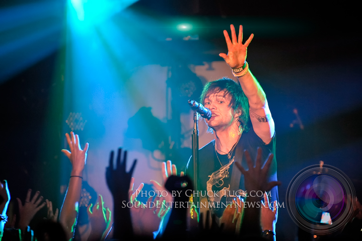 BOYS LIKE GIRLS Picture Gallery