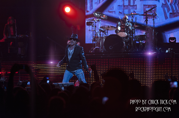 Concert photo of the day GnR 2011